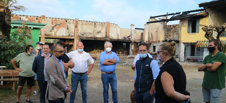 I giovani di Confagricoltura Brescia aiutano i Valetti: consegnati fieno, paglia, carote e ortaggi per gli animali dell'azienda agrituristica El Vaquero, distrutta da un incendio
