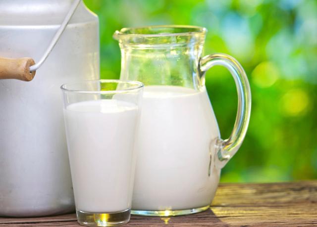 Latte, aumenta la produzione e i prezzi risalgono